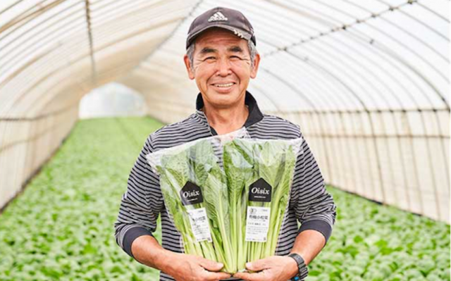オーガニック野菜のベテラン生産者、篠崎弘一さん(千葉県)の商品はOisixでも人気だ